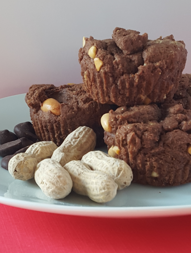 Chocolate and Peanut Butter Muffins 4